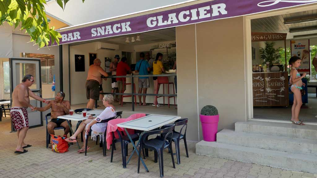 bar restaurant camping ruoms vallon pont arc ardeche